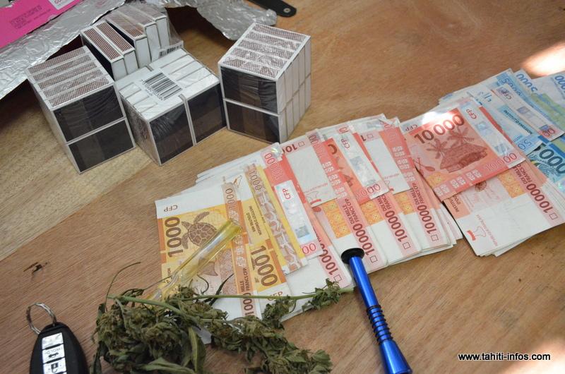 Du cannabis, des pipettes et 800 000 francs en espèces saisis lors d'un contrôle routier
