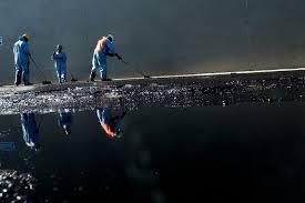 La Californie tente de contenir une fuite de pétrole dans une zone touristique
