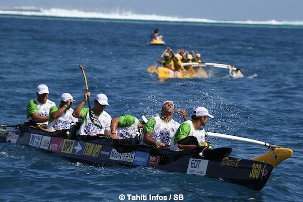 Team Opt et Shell Va'a, le tenant du titre, arrivent juste après le 1er