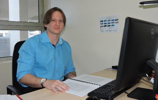 Hervé Raimana Lallemant-Moe est enseignant-chercheur spécialisé dans les problématiques en droit de l'environnement et en droit international de l'environnement et conseiller-associé au Haut conseil de la Polynésie française.