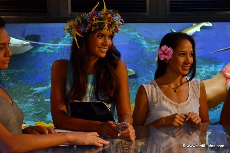 Vaimiti et Hanivai émerveillées par les secrets de la perle
