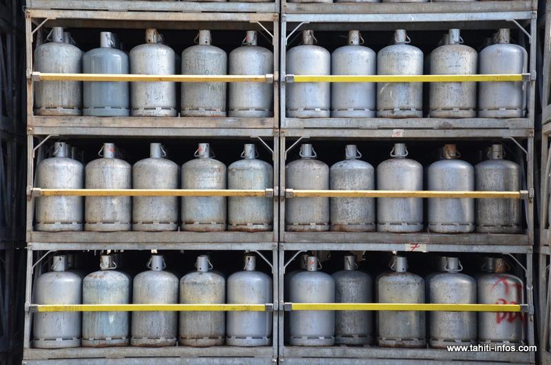 L'entreprise continue de produire 2500 bouteilles B13 par semaine alors que la demande polynésienne est de 10000.