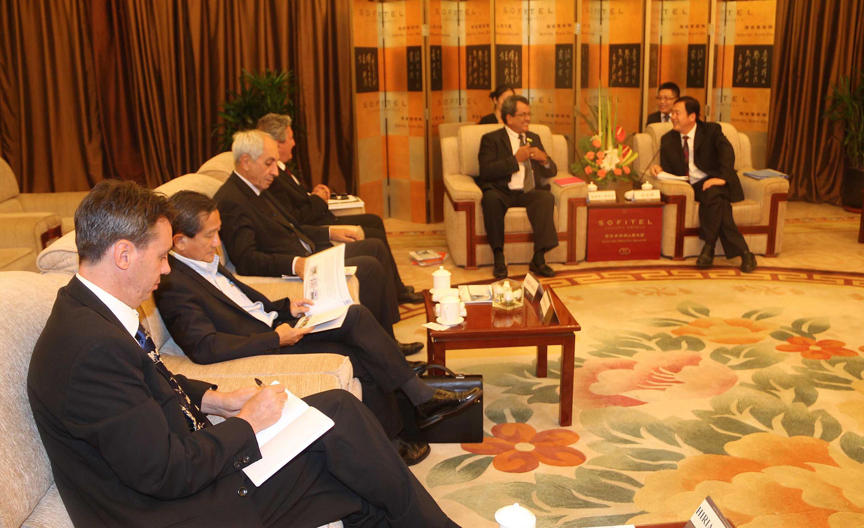 Visite officielle en Chine : Fritch reçu par China Railway First Group