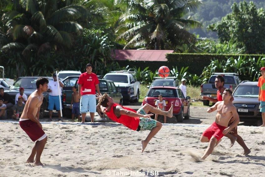 Le Tournoi de Beachsoccer a rassemblé 12 équipes