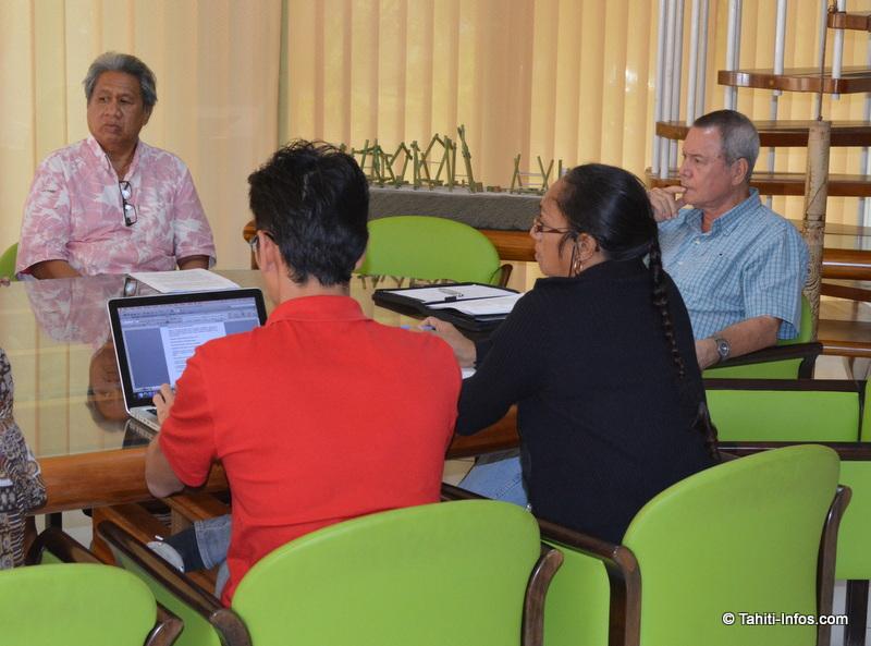 Ronald Tumahai a écouté attentivement les associations
