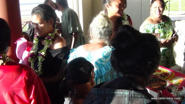 Familles et amis étaient présents pour accueillir leurs enfants prodigues.