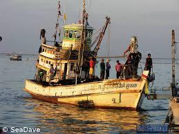 Mise au pas des pêcheurs en Thaïlande: 5.000 bateaux immobilisés