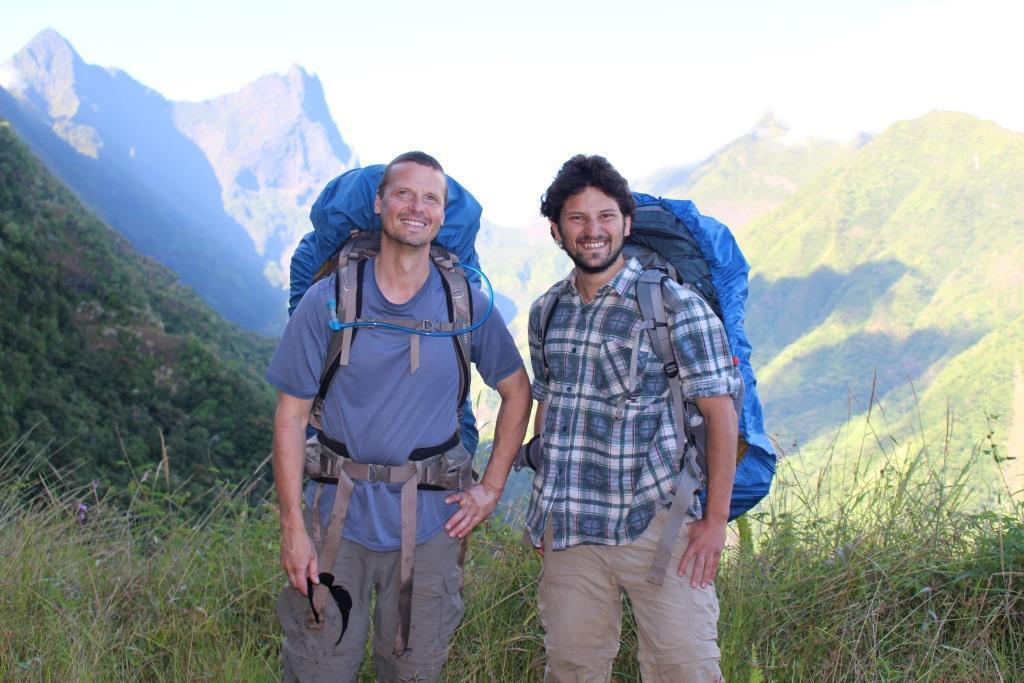 Deux entomologistes américains à la recherche de nouvelles espèces polynésiennes