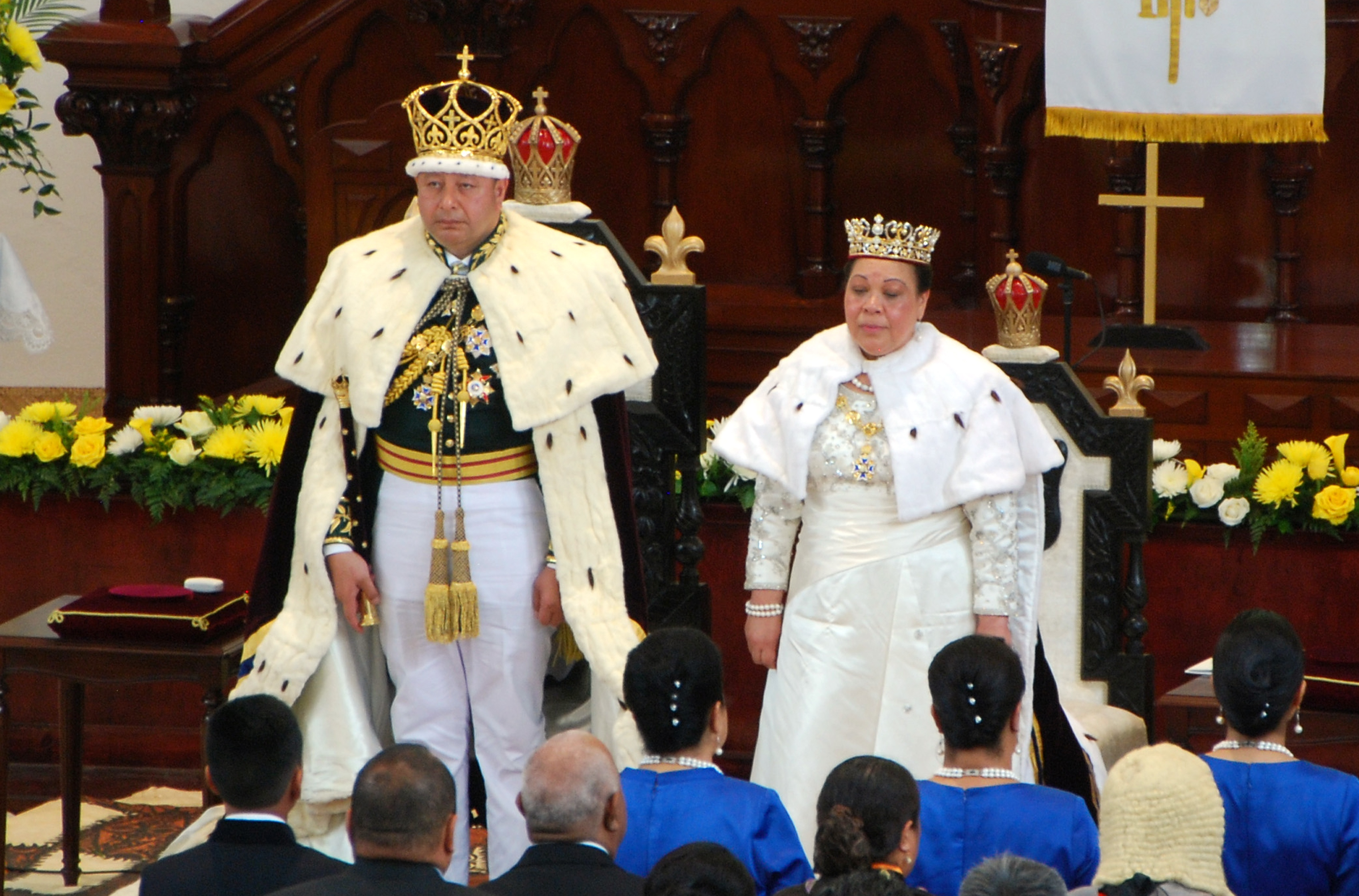 George Tupou VI couronné roi de Tonga