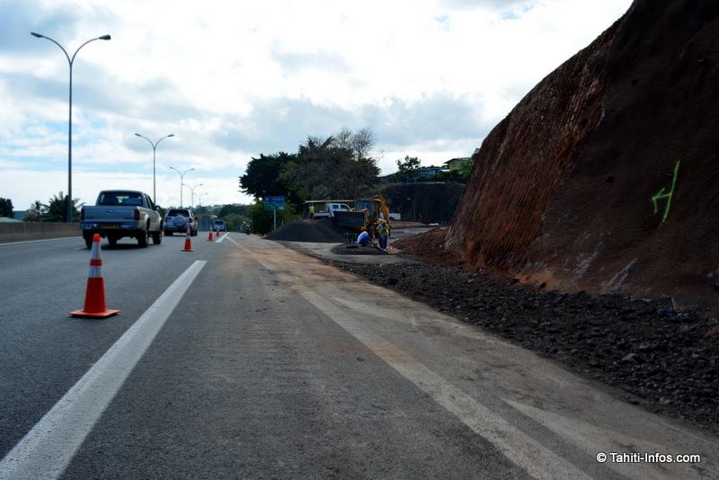 La relance a entièrement dépendu des investissements publics, en particulier dans les travaux routiers