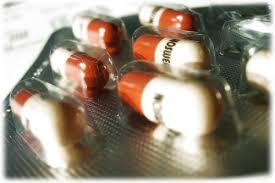 Médicament: les industriels contestent leur sortie de la commission de la transparence