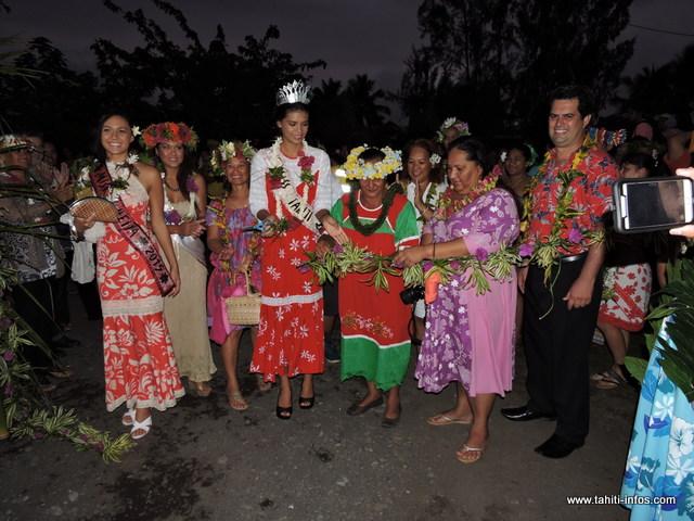 Miss Tahiti 2015, Vaimiti Teiefitu a ouvert les festivités de la commune