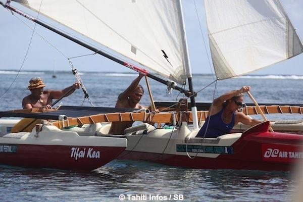 La pirogue Holopuni se développe à Tahiti