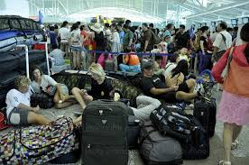 Éruption volcanique en Indonésie: l'aéroport de Bali brièvement fermé