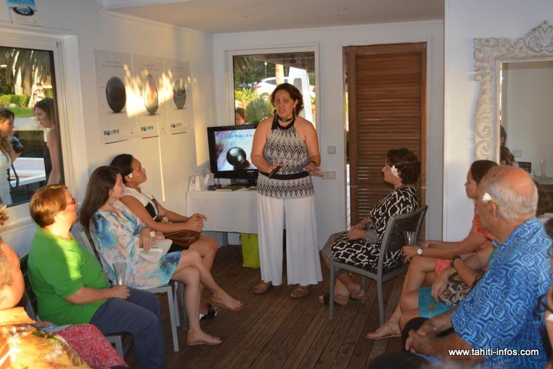 """Une première """"excursion perle"""" à Papeete pour les touristes"""