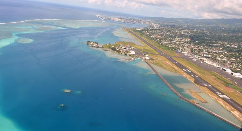 Remise aux normes internationales, la piste de l'aéroport de Tahiti Faa'a sera même susceptible d'accueillir l'A380.