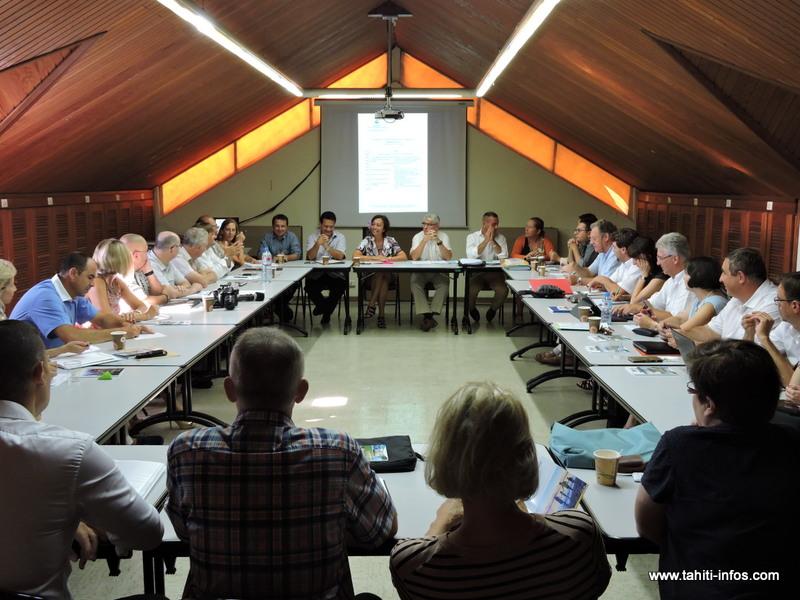 Réunion de préparation pour 19 cadres dirigeants de l'enseignement public