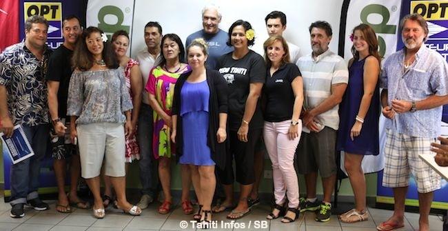Les membres de l'organisation avec les représentants des nombreux partenaires et sponsors