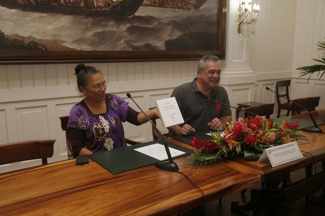 Le ministre de la culture Heremoana Maamaatuaiahutapu a présenté ce nouveau lexique, ce mardi matin à la presse