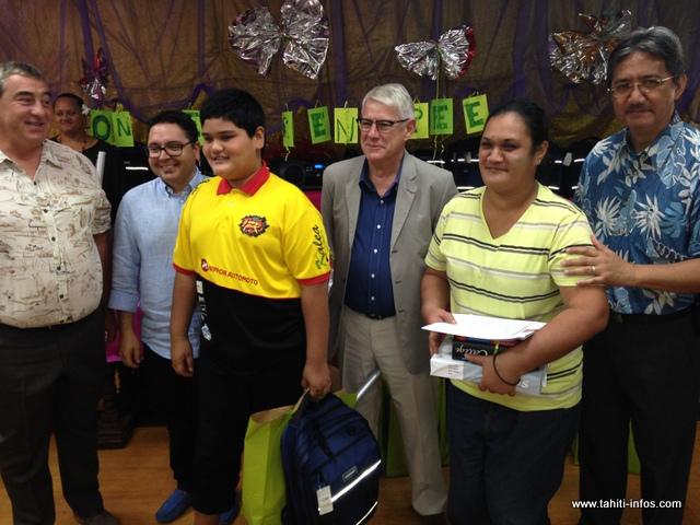 25 familles ont reçu de nouveaux cartables pour leurs enfants qui entrent en classe de 6ème