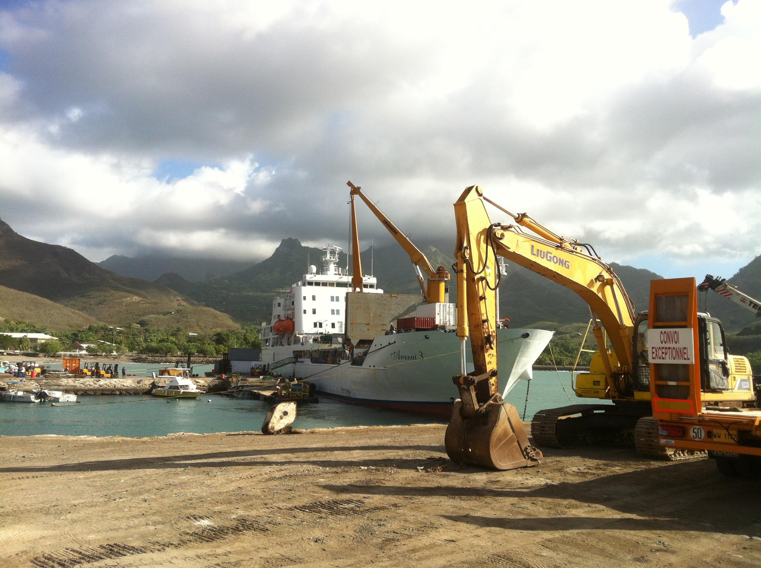 L'Aranui 5 à flot en fin d'année