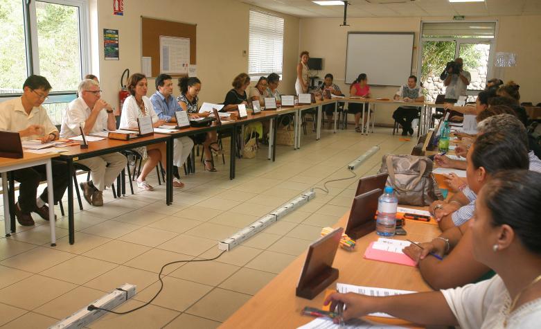 Rentrée scolaire : la ministre de l'Education réunit le Haut comité de l'éducation