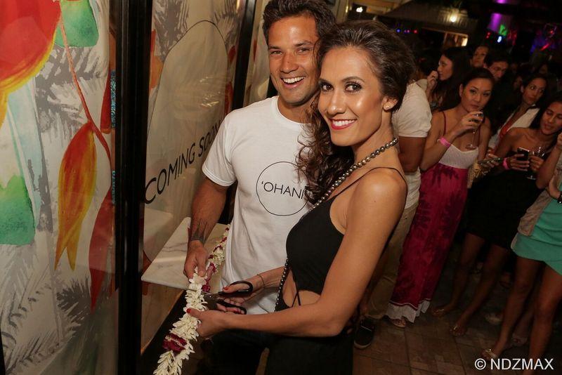 Vaimiti et Michel lors de l'inauguration de leur boutique, le 7 août, au Vaima.