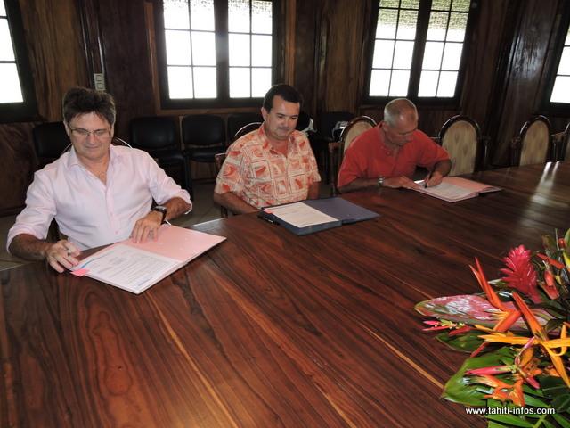 Une convention a été signée ce vendredi matin pour l'attribution de 12 billets d'avion par Air Tahiti Nui à la MAAT
