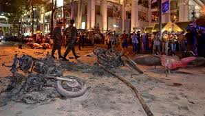 Au moins dix morts dans l'explosion d'une bombe en plein centre de Bangkok