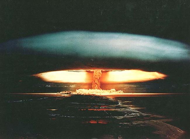Le tir Canopus avait explosé le matin du 24 août 1968. L'énergie développée par la bombe est colossale : 2, 6 mégatonnes soit 170 fois l'énergie de la bombe d'Hiroshima.