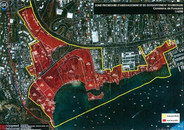 """Délimitation du territoire de la zone prioritaire d'aménagement et de développement touristique """"Zone de Mahana Beach"""" lors de la toute première présentation du projet en novembre 2013."""