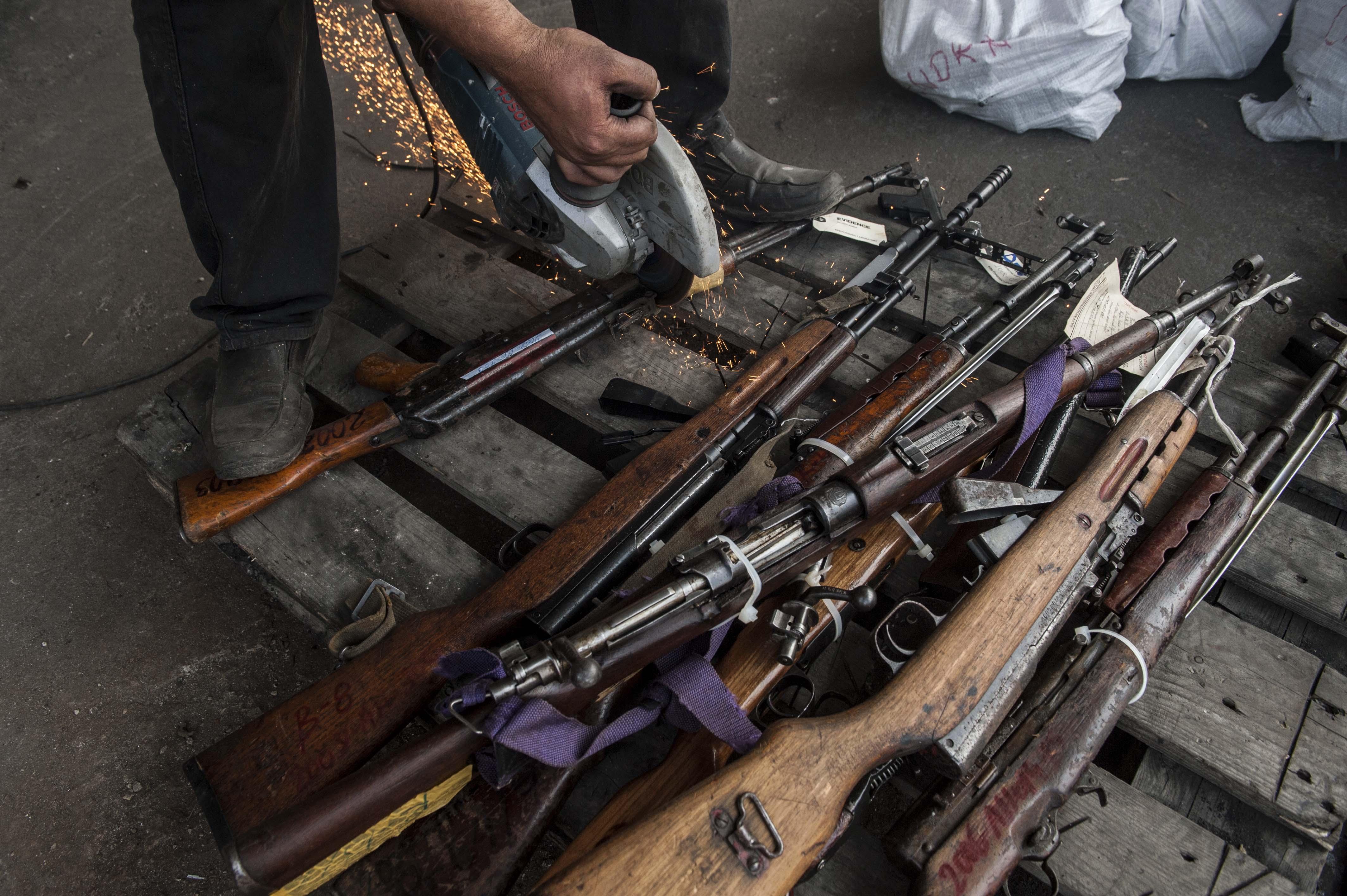 L 39 op ration d posez les armes prolong e jusqu 39 en octobre for Salon des armes a feu