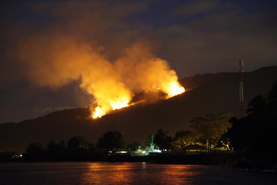 le feu se serait déclaré vers 17 heures dans la vallée de Papehue à Paea.