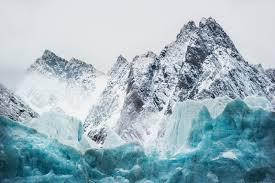 Les glaciers du Spitzberg engagés dans une folle course vers les fjords