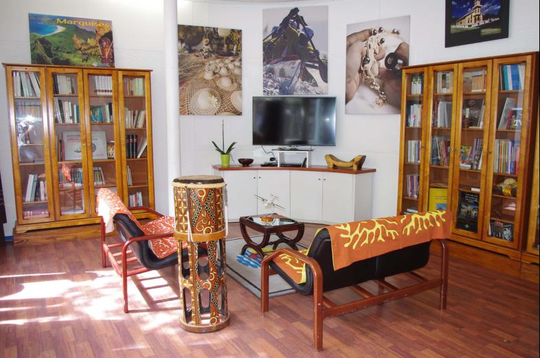 Une bibliothèque ouverte au public à la Délégation de la Polynésie française