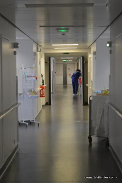 Des salariés de l'hôpital en CDD ont obtenu une prolongation d'un an de leur contrat avant une intégration définitive par liste d'aptitude.