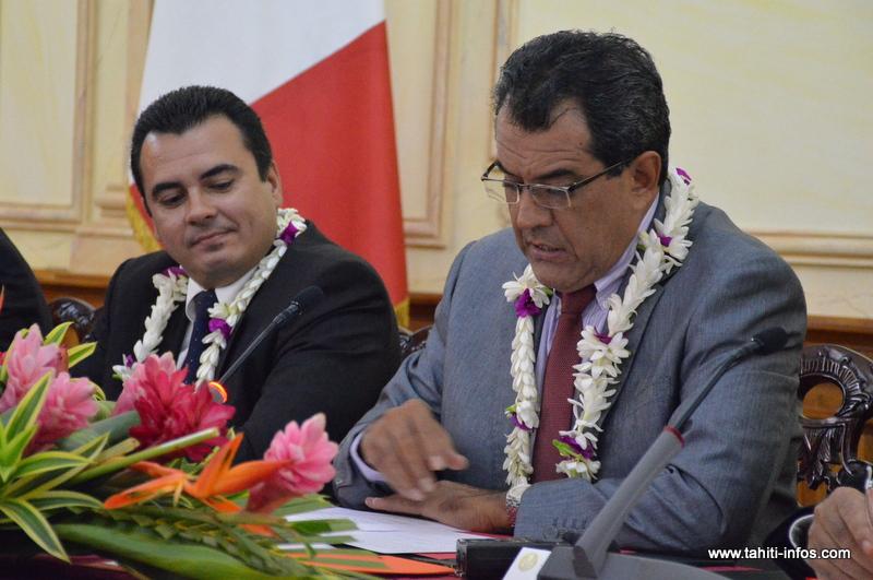 Edouard Fritch et Teva Rohfritsch, le 27 mai 2015 à l'annonce du dernier remaniement ministériel.