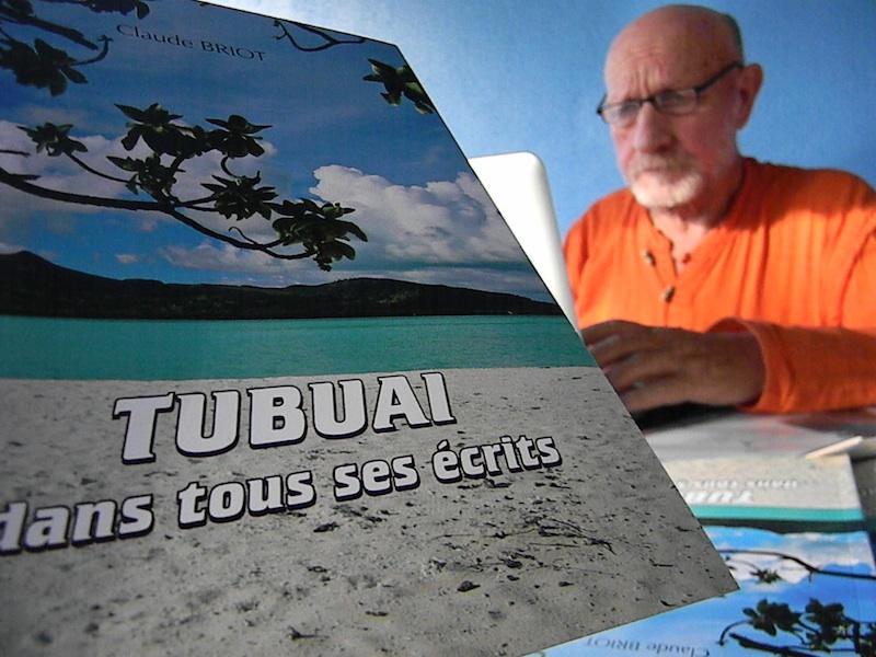 Dans cet ouvrage, Claude Briot relate l'histoire de l'île de Tubuai, entre 1700-1800.
