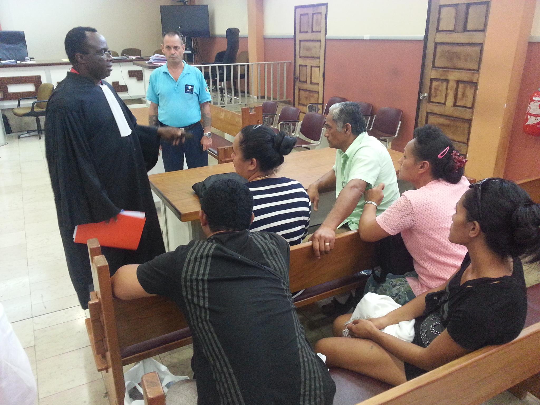 """""""Il a été jugé pleinement responsable de ses actes"""", a confié à Tahiti Infos l'avocat des parties civiles, Me Boumba, à la sortie de l'audience."""