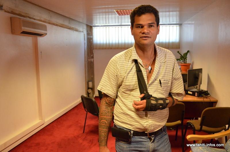 Le médiateur de la Polynésie française dans son bureau, au rez-de-chaussée de l'immeuble Lejeune à Papeete.