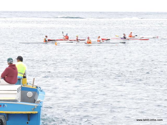 Le top départ pour la course des femmes a été donné, ce matin à 11 heures, depuis le quai de Vaihe'e à Hitia'a