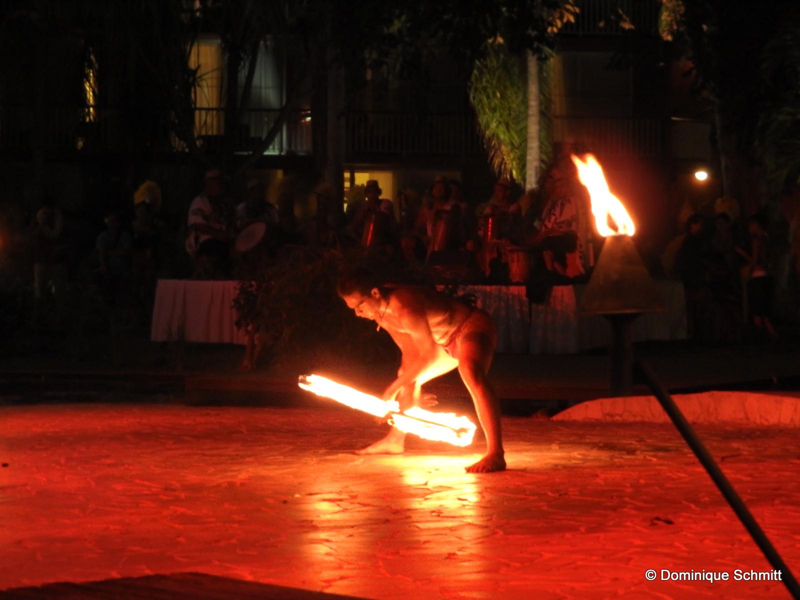 Tauarii Ani, 14 ans, sacré champion polynésien de la danse du couteau de feu !