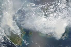 Incendies en Indonésie: fumées toxiques jusque sur les plages touristiques de Thaïlande
