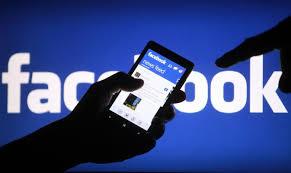 Achats en ligne sur smartphones: Facebook renforce son arsenal