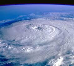 El Nino arrive en Californie, apportant orages et crues sans résoudre la sécheresse