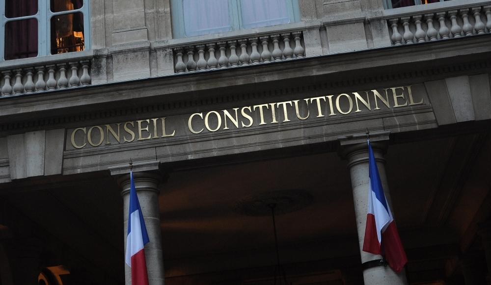 Le Pays obtient les coudées franches pour réglementer le Pacs
