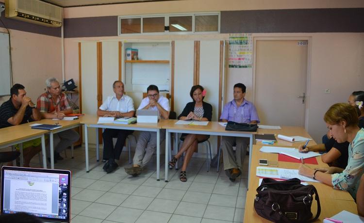 Une réunion de préparation aux Assises de la jeunesse a eu lieu ce mardi matin dans les locaux de la DGEE autour de la ministre en charge de l'éducation et de la jeunesse.