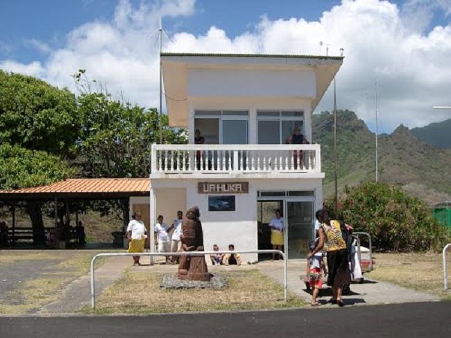 L'aérodrome de Ua Huka aux Marquises.