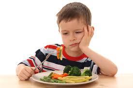Le père oblige ses enfants à manger des légumes, la mère porte plainte