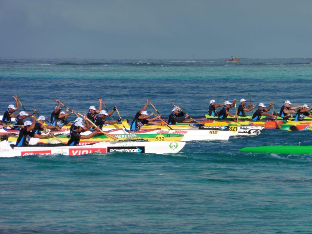Hawaiki Nui va'a: le départ de la course en images ( diaporama)